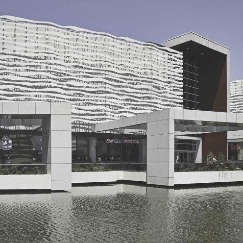 Edificio Aires Mall Plaza Oeste Cuando La Arquitectura